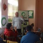 Димитър Стоянов от с. Бачково в началото на лекцията си по биодинамично овощарство